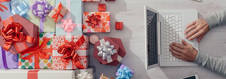 Sinterklaas winkelt bij voorkeur online  (en is niet zuinig!)